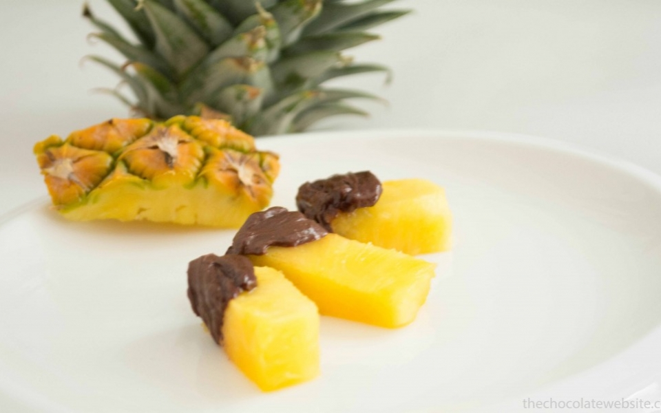 Crazy or Cool Chocolate Idea - Pineapple with Chocolate Photo